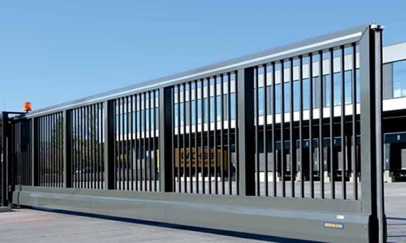 Puertas industriales correderas chipdigital puertas - Puerta corredera industrial ...
