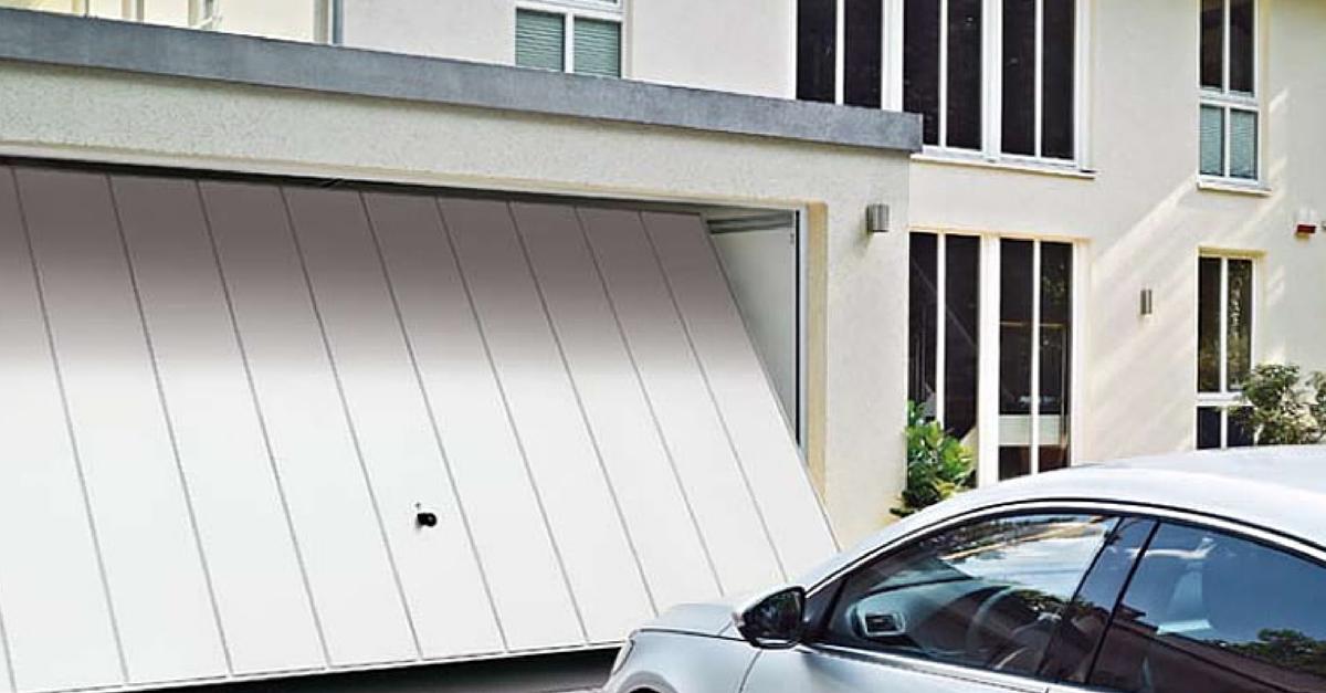 9 razones para elegir las puertas basculantes de garaje for Puerta garaje basculante precio