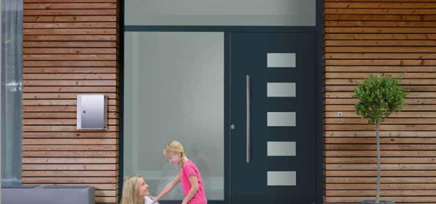 Puerta de entrada consejos para elegirlas chipdigital - Aislar puerta entrada piso ...